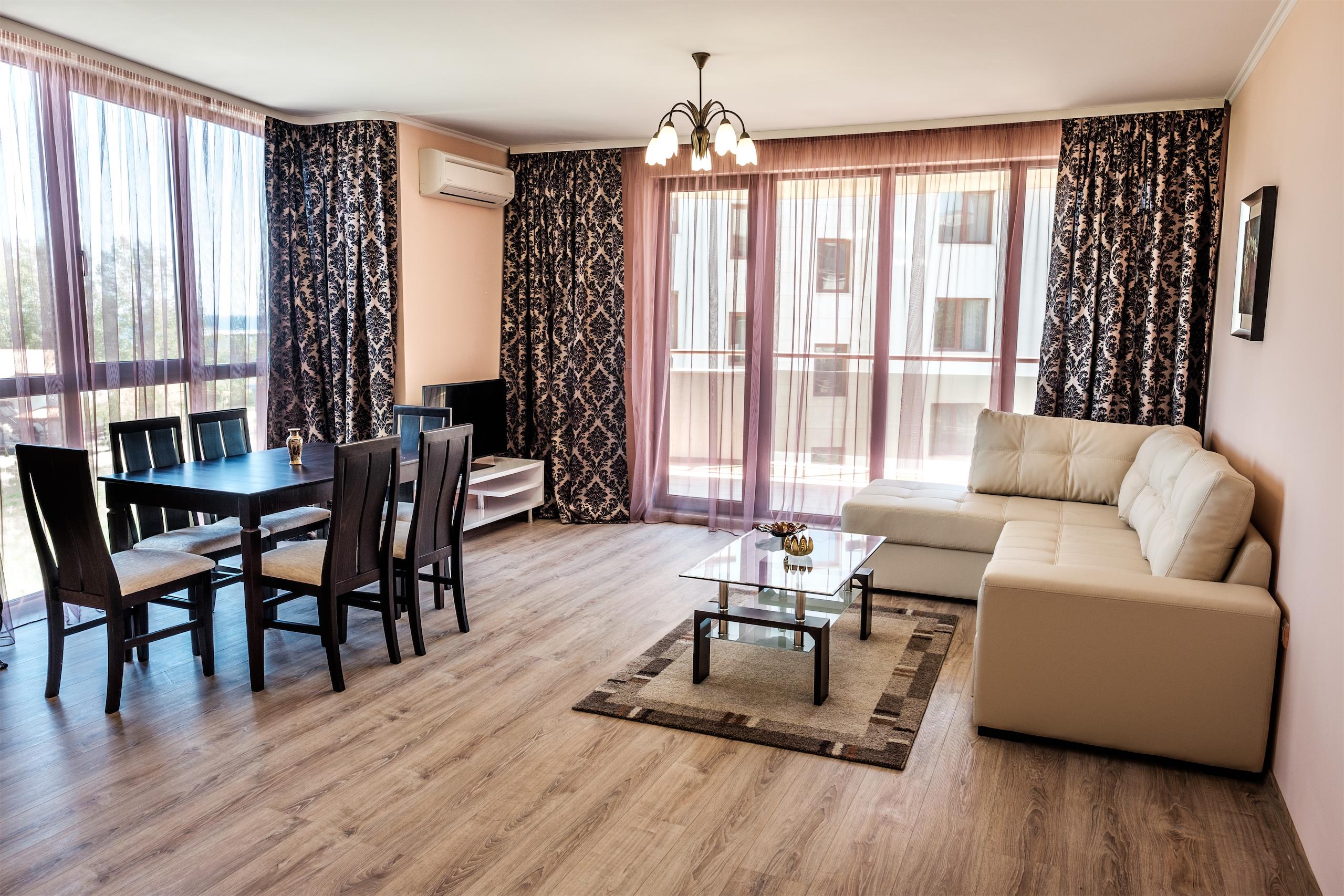 Заснемане на интериор и екстериор на хотел от фотограф от Варна.